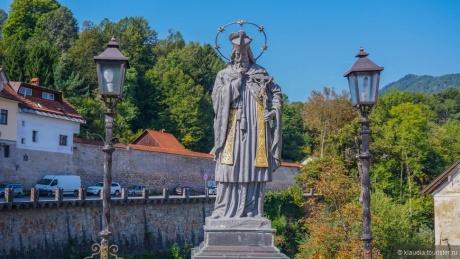 Недельное путешествие Шкофья Лока, Предъямский замок, Постойнска Яма
