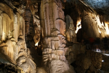 В подземном царстве: Предъямский замок и Постойнска Яма